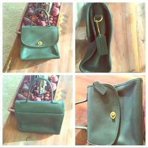 COACH VINTAGE EMERALD GREEN PURSE